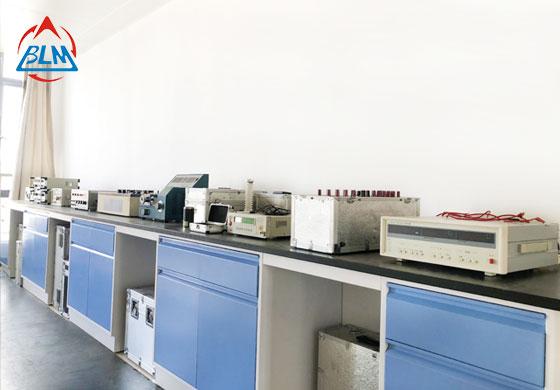 无线电仪器校准实验室