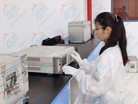 电磁计量校准实验室图片