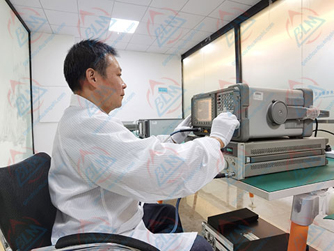 无线电仪器校准实验室图片